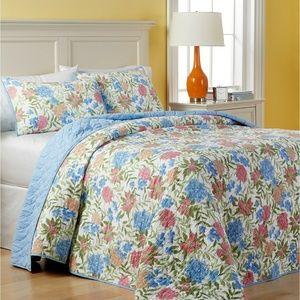 Gramercy Garden Reversible Quilted Bedspread -King